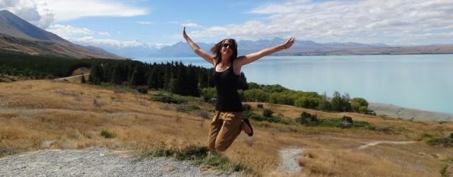 Jump-W-tle-mt.-Cook.-NZ-1024x768