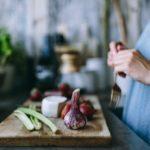 Ile kosztuje wegańskie jedzenie? Budżet domowy w praktyce